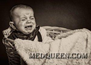 Заглатывание воздуха грудным ребенком
