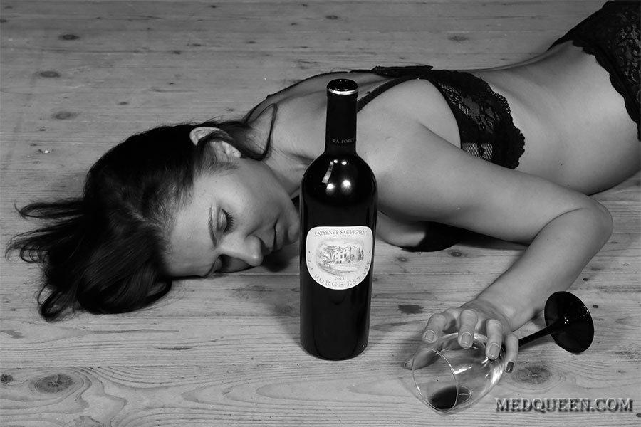 Картинки про алкоголь и девушек